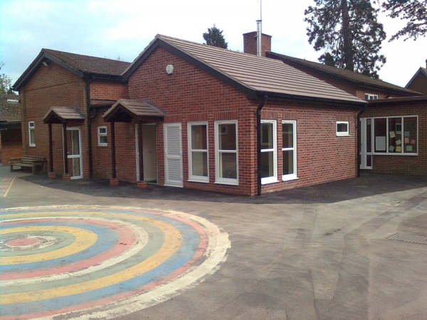 A commercial construction in Berkshire - Mortimer School after completed construction works by Greenham Construction